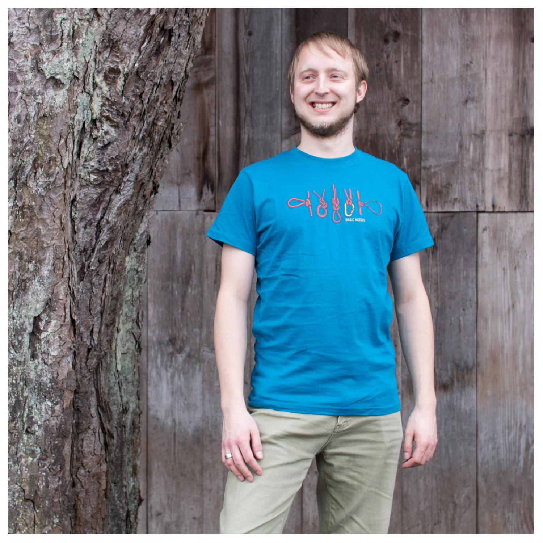 moro jobb stripe malt strie på bad Bergfreunde de - far han khan added a  new photos AbbrSichrBF - T-skjorte