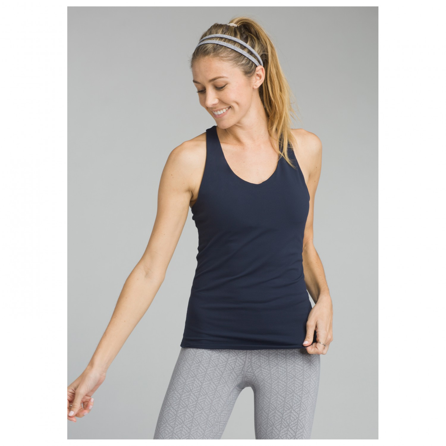 See our great selection of hot women's yoga and workout tops such as cami's, shirts and tanks. Stylish activewear & chic transitional tops for every activity!