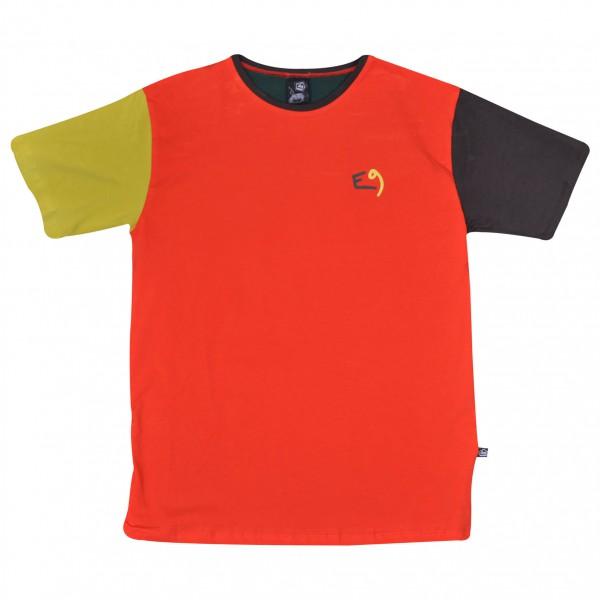 E9 - Four Move - T-shirt